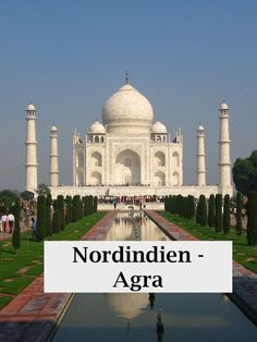 Sights in North India. Travel Tips for an India Vacation – Sights in Agra and New Delhi. Travel report, information, travel tips for women traveling alone in India, with rental car and driver. Udaipur, Varanasi, Agra, Taj Mahal, Travel Report, North India, Jodhpur, Travel Alone, Car Rental