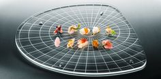 Rezept:Paco Perez  Percebes,  Garnele, Jakobsmuschel, Meeresschnecke, Herzmuschel, Zackenbarsch, Messermuschel, Hummerschwanz, Miesmuschel, Thunfisch-Toro