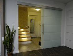 sklenené posuvné dvere na klasickom posuvnom systéme 105 mm výšky Garage Doors, Outdoor Decor, Home Decor, Decoration Home, Room Decor, Home Interior Design, Carriage Doors, Home Decoration, Interior Design