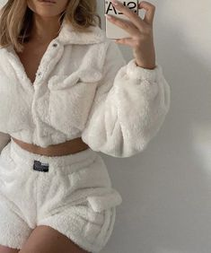 Follow our Pinterest Zaza_muse for more similar pictures :) Instagram: @zaza.muse | Home outfits. Cozy loungewear.