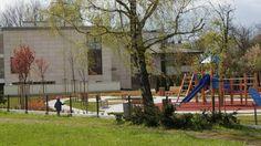 Postawili w parku płot, aby ich dzieci nie bawiły się z waszymi dziećmi