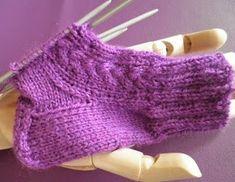 ARTES-ANAS: CALCETINES 5 AGUJAS,TALÓN Y CAZUELA, (2 DE 3) Knitting Videos, Fingerless Gloves, Arm Warmers, Socks, Crochet, Fashion, Knit Socks, Gloves, Long Scarf
