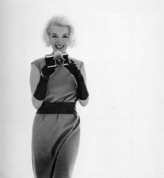 12/07/1962 Marilyn with Camera par Bert Stern - Divine Marilyn Monroe