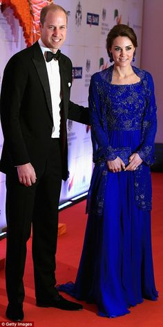 Kate dazzles in beaded blue gown as she and William arrive for a glittering Bollywood gala with a feast of Indian entertainment including singers, dancers and even a nod to fashion | Daily Mail Online