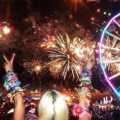 Electric daisy carnival @Cristal Avellaneda ►▲▲ @Cynthia Moreno Zac @vianeymg #EDCMx