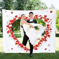"""Hochzeitslaken zum Ausschneiden - Hochzeitsherz für das Brautpaar - Set inklusive Bettlaken, zwei Scheren, Grußkarte """"Just Married"""" mit Umschlag und Stift - Hochzeitsbrauch - Leintuch - Maße des Betttuchs 2 x 1, 80 m:  hochzeitsgeschenk ideen hochzeitsgeschenke hochzeitsdeko geschenkideen hochzeit wedding ideen wedding deko hochzeit überraschung ideen liebe vintage hochzeit braut"""