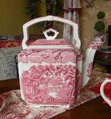 Vintage English Pink Red Transferware Masons Vista Square Handled Teapot Tea Kettle - Madame Shanshi LOVES this! Vintage Dishes, Vintage China, Vintage Teapots, Vintage Bags, Porcelain Ceramics, Porcelain Dinnerware, Painted Porcelain, China Porcelain, Teapots And Cups