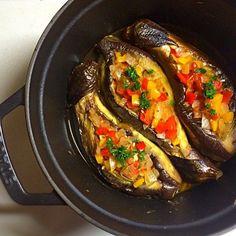 インスタで人気急上昇中の「#坊さんの気絶」をご存じですか?夏野菜の茄子とトマトを使った料理なのですが、何でもお坊さんが気絶してしまうほど美味しいんだとか。病みつきになる人が続々と増えています。早速作ってみて♡