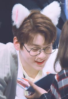 [HQ] 190330 Soobin in fansign ©candyjelly_txt Korean Bands, South Korean Boy Band, Kpop Show, Picture Collection, Debut Album, Boy Groups, Idol, Entertaining, Pictures