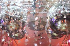 cumpleaños de 15, sweet fifteen, fiesta de quince, party, decoración, ambientación, decor, estrellas, stars, dorado, gold, chevron  decoración de pista