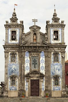 Porto - 90 | Igreja de Santo Ildefonso. an 18th century church completed in 1739 & built in a proto-Baroque style