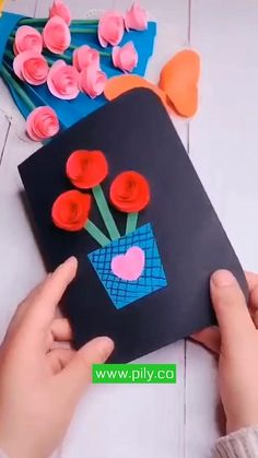 Diy Crafts Hacks, Diy Crafts For Gifts, Diy Arts And Crafts, Creative Crafts, Fun Crafts, Paper Flowers Craft, Paper Crafts Origami, Paper Crafts For Kids, Preschool Crafts