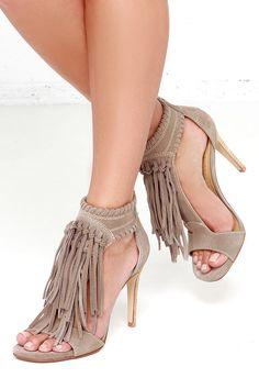 Chinese Laundry Santa Fe Grey Suede Leather Fringe Sandals at Lulus.com!