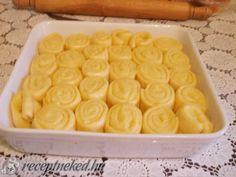 Ferdinánd Macaroni And Cheese, Cube, Food And Drink, Tray, Menu, Cookies, Ethnic Recipes, Kuchen, Menu Board Design