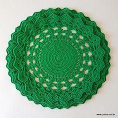 sousplat-passo-a-passo-15 Crochet Doily Patterns, Crochet Doilies, Pot Holders, Free Pattern, Diy And Crafts, Bolero, Napkin, Home Decor, Bunny