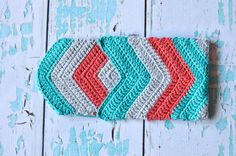 Free Crochet Pattern: Crochet Chevron iPad Mini Case | Crochet this adorable chevron pouch for your iPad! Easily size up or down for all your devices.