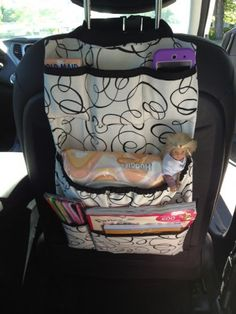 Car Utensilo / Car Organizer Sewing I Elle Belle Creative: Car caddy take # Diy Sewing Projects, Sewing Hacks, Sewing Tutorials, Sewing Crafts, Sewing Patterns, Sewing Ideas, Car Seat Organizer, Car Organizers, Car Accessories Diy