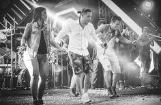 Estrelas no palco: conheça os (muito além de) backing vocals de Wesley Safadão