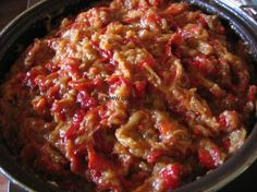 aperitiv cu vinete si ardei capia Romanian Food, Meatloaf, Guacamole, Chili, Appetizers, Soup, Ethnic Recipes, Canning, Chile