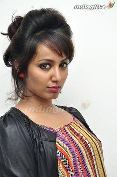 Indian Actress Gallery, Tamil Actress Photos, South Indian Actress, Holi Photo, Fancy Blouse Designs, Malayalam Actress, Most Beautiful Indian Actress, India Beauty, Indian Girls