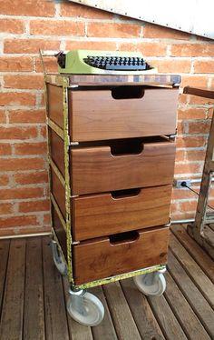 Gaveteiro Quatrilho http://www.desmobilia.com.br/gaveteiro-quatrilho-modelo-1-desmobilia.html