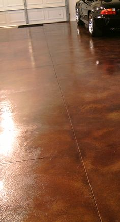 This lovely 800 square foot garage floor project was acid stained using Cola and diluted Coffee Brown Concrete Acid Stains. click now for more info. Garage Shed, Garage House, Diy Garage, Garage Workshop, Garage Doors, Garage Ideas, Garage Storage, Garage Pergola, Garage Shelving