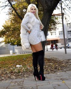 Gros Pull Mohair, Fur Fashion, Womens Fashion, Sexy Stiefel, Leather High Heel Boots, High Boots, Short Boots, Thick Girl Fashion, Fox Fur Coat