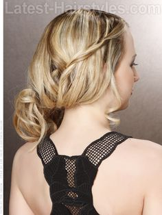 Such an understated yet elegant #hairstyle