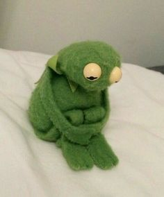 First of all, please look at this tiny, sad Kermit. All fuzzy and forlorn. First of all, please look at this tiny, sad Kermit. All fuzzy and forlorn. Love Memes, Best Memes, Funny Memes, Hilarious, Memes Humor, Ecards Humor, Funny Quotes, Muppet Show, Sapo Kermit