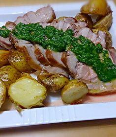 1.5キロの豚塊肉が手に入ったので、ローストしました。 ソースはイタリアンパセリベースで。 - 8件のもぐもぐ - 赤城豚のローストポーク パセリソース by Tomohiro Yoshida