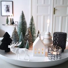 The most beautiful ideas for your Christmas decoration - Christmas countdown … The Effective Pictures We Offer You About fireplace decor A quality pictur - Christmas Countdown, Noel Christmas, Christmas Balls, Christmas And New Year, Winter Christmas, All Things Christmas, Christmas 2019, Homemade Christmas, Decoration Christmas