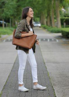 Fashionblogger GorisHelena || Crisp Clean ootd spring summer outfit || Michael Kors