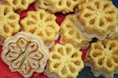 An Illustrated Step-By-Step Guide to Make Scandinavian Rosette Cookies
