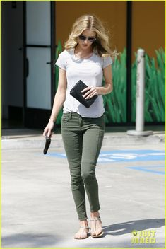 7d8a14b6a3d9 18 Awesome Celebrity Flat Shoes images