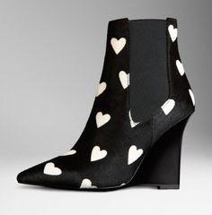 Ankle boot con stampa cuori Burberry