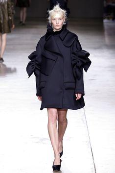 Simone Rocha Fall 2014 Ready-to-Wear Fashion Show