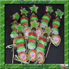 brocheta cumpleaños Green Star, con gran gominola artesana en  forma de estrella, regalices, cerezas, besitos,...elegante exquisitez!
