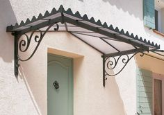 Marquise auvent en fer forgé, Marquise wrought iron canopy, Marquise schmiedeeisernen Baldachin, Marquise baldacchino in ferro battuto, Marquise dosel de hierro forjado Window Canopy, Awning Canopy, Wrought Iron Decor, Wrought Iron Gates, Reforma Exterior, Pergola Cost, Pergola Ideas, Wooden Gazebo, Shade House