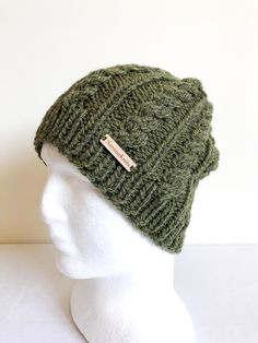 Items Which can Keep your Girl friend Think that You're actually Consequently Exciting. Christmas Gifts For Girlfriend, Gifts For Coworkers, Gifts For Mum, Girlfriend Gift, Knitted Hats, Crochet Hats, Romantic Gifts, Alpaca Wool, Knit Beanie