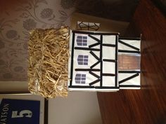 Tudor house project by Tomas – year 4 - Home Schooling İdeas School Projects, Projects For Kids, Home Projects, Great Fire Of London, The Great Fire, Junk Modelling, Cardboard Box Houses, Fire Crafts, Rose House