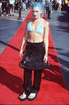 Pin for Later: Retour sur les Looks les Plus Fous des MTV VMAs Gwen Stefani, 1998