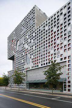Simmons Hall, MIT, Cambridge, MA Vassar St (Steven Holl, 1999-2002). DiscoverMIT.com