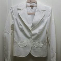 Caslon White Blazer Dry Clean Only. 77% cotton 21% polyester 2% Lycra. Lining is 100% polyester. Clean lines, clean white. No stains, no discoloration. Perfect condition. Sleeves have a scooped cut, shown in third picture. Caslon Jackets & Coats Blazers