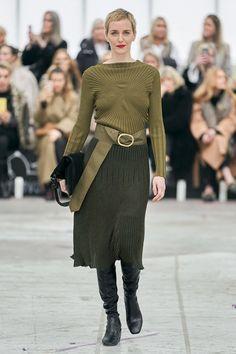 By Malene Birger Copenhagen Fall 2020 Fashion Show - Vogue Fashion Mode, Vogue Fashion, Fashion 2020, Runway Fashion, Womens Fashion, Fashion Trends, High Fashion, Fashion Show Collection, Couture Collection