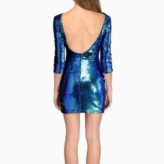 Unique Blue/Green Sequin Dress perfect for NYE! Green Sequin Dress, Satin Dresses, Formal Dresses, Cat Walk, Size 6 Dress, Blue Green, Sequins, Bodycon Dress, Fancy