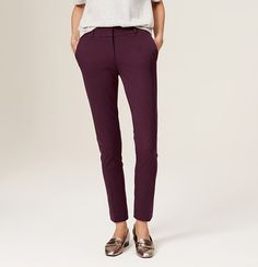 """Clean and composed, we crafted this skinny ankle pair in our flawless bi-stretch fabric - it stretches in both length and width for a magic, super-slimming fit. Your perfect fit if your hips are proportionate to your waist. Front zip with hook and bar closure. Belt loops. Slash pockets. Back welt pockets. 28"""" inseam."""