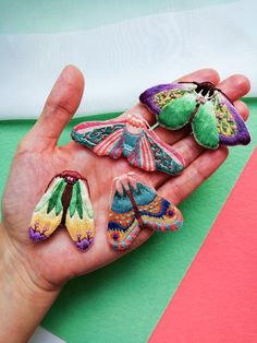 Hand embroidery, embroidered brooches & patches by ChaikaCrafts Diy Embroidery Art, Creative Embroidery, Learn Embroidery, Modern Embroidery, Hand Embroidery Designs, Embroidery Stitches, Indian Embroidery, Colorful Moths, Fabric Butterfly