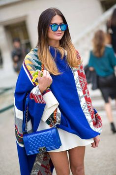 Street Style Trends Fashion Week Spring 2015 - Street Style 2015 This poncho! Street Style Trends, Street Style Chic, Looks Street Style, Spring Street Style, City Style, Style Summer, Casual Summer, Paris Street Fashion, Printemps Street Style