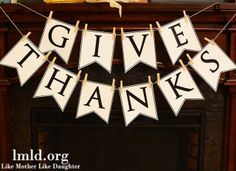Printable Give Thanks Banner #Thanksgiving