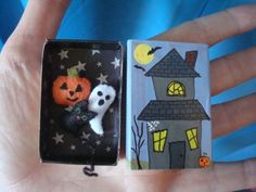 Haunted Mini Mansion - Halloween Pocket Diorama